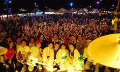 Um dos maiores eventos promovidos pela colônia japonesa do Paraná, o Londrina Matsuri chega à sua 14ª edição com a tradição de cultivar, difundir e integrar a arte e a cultura oriental através da música, dança, trajes típicos, decoração, gastronomia, entre outros aspectos. A festa que também celebra a chegada da Primavera, será realizada de 9 a 11 de setembro, no Parque Governador Ney Braga de Londrina, sempre das 10h às 23h.