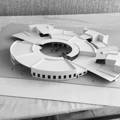 Proje Concept Architecture, Amazing Architecture, Interior Architecture, Circular Buildings, Round Building, Sustainable City, Hospital Design, Arch Model, Modelos 3d