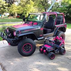 Grannie and grandbabies Big Girl Toys, Toys For Girls, You Drive Me Crazy, Fast And Furious, Car Girls, Family Goals, Jeep Life, Baby Size, Mommy And Me