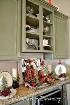 Adventures in Decorating: Our Christmas Dining Room and Breakfast Area I love this, I want my kitchen to look like this. Spode Christmas, Christmas Kitchen, Christmas Holidays, Christmas Wreaths, Christmas Decorations, Holiday Decorating, Christmas Stuff, Christmas Ideas, Merry Christmas