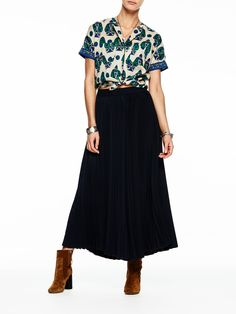 Maison Scotch Pleated Culottes Navy  https://www.blueberries-online.com/women-c1/womens-clothing-c34/trousers-shorts-c13/maison-scotch-maison-scotch-pleated-culottes-navy-p25077