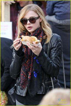 chloe moretz snack after filming jamie blackley 11