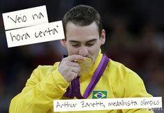 http://clic.rs/azanetti - Após conquistar a medalha de ouro nas argolas nos Jogos Olímpicos de Londres (título inédito para a ginástica brasileira), Arthur Zanetti falou sobre tudo o que envolveu a final olímpica. Zanetti contou que entrou na prova acreditando que era possível chegar ao ouro.