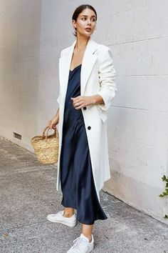 Great street style outfit with slip dress - Moda - Street Style Outfits, Looks Street Style, Mode Outfits, Looks Style, Trendy Outfits, Fall Fashion Street Style, Navy Outfits, Classy Street Style, Chic Summer Style