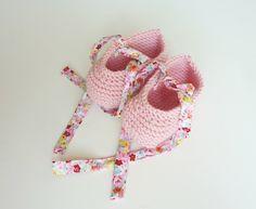 Hand knit baby booties / knit baby booties / newborn booties /
