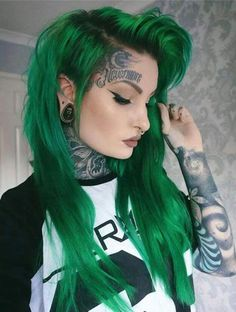31 Glamorous Green Hairstyle Ideas Update) Cute Green Hair Long Green Hair Edgy And Glamorous Green Hairstyles The Best Green Teal Lime Green Vibrant Ombre Balayage Hairstyles The post 31 Glamorous Green Hairstyle Ideas Update) appeared first on Haar. Mint Green Hair, Green Wig, Green Hair Colors, Green Lace, Ombre Green, Girl With Green Hair, Neon Green, Holiday Hairstyles, Cool Hairstyles