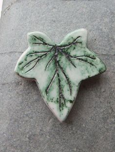 Handmade Green Ceramic Pottery Ivy Leaf Magnet - kitchen office decoration
