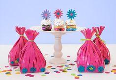 Ein passendes Mitgebsel nach der Troll-Party? Oder wie könnte das Give-away-bag aussehen? Wir haben ein paar nette Ideen für Give-aways und Mitgebsel-Tüten zusammen getragen. Weitere schöne und passende Ideen für Deine Troll-Party findest Du auf blog.balloonas.com #kindergeburtstag #balloonas #troll #party #give-away #mitgebsel #gastgeschenk #geschenk