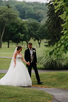 Bellevue Country Club, making all your wedding dreams come true. Syracuse, NY. Photo by Sandra Lee Photography. www.sandralee-photography.com.