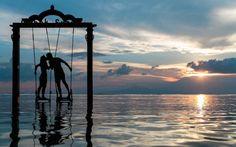 Die Tagesenergie heute öffnet den Weg zur Seelenliebe. Die Schwingung der Liebe schenkt Geborgenheit und Harmonie – Aktivieren wir die Liebesenergie! Freude, Liebe, Harmonie, Nähe und Geborgenheit sind die Grundbedürfnisse der Seele. Die Seelenliebe lässt uns durch die Schwingung der Liebe einzigartige Verbindungen erleben, die sich oft durch eine außergewöhnliche Begegnung ergeben.Die Liebesenergie führt uns […] Der Beitrag Tagesenergie heute am 6. Mai 2021 – Seelenliebe ersc