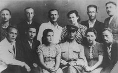 Portrait of Sobibor uprising survivors taken in 1944, with Feldhendler at top right