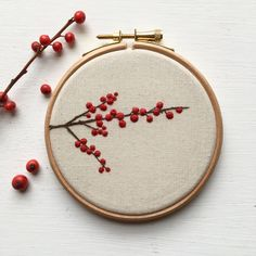 Winterberry embroidery from winter 2017 Craftpod, .,Winterberry embroidery from the winter 2017 craftpod, Source by Nelaneka Trendy Blanket Storage A few . Embroidery On Clothes, Embroidery Flowers Pattern, Hand Embroidery Stitches, Embroidery Hoop Art, Hand Embroidery Designs, Ribbon Embroidery, Cross Stitch Embroidery, Embroidery Ideas, Beginner Embroidery