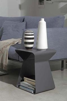 Shop this bontempi kito anthracite rectangular end table from our top selling Bontempi Casa living room tables. LuxeDecor is your premier online showroom for living room furniture and high-end home decor. Metal End Tables, End Tables With Storage, Side Tables, Pillos, Red Pillows, Dining Room Table, Home Accents, Living Room Furniture, Home Furnishings