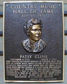 Old Country Music, Country Western Singers, Country Music Artists, Country Music Stars, Country Guys, American Folk Music, Patsy Cline, Loretta Lynn, Aretha Franklin