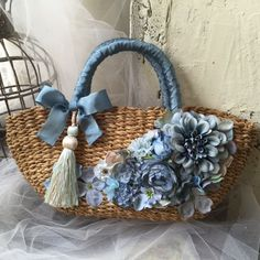 Marvelous Crochet A Shell Stitch Purse Bag Ideas. Wonderful Crochet A Shell Stitch Purse Bag Ideas. Ethnic Bag, Diy Tote Bag, Diy Bags, Flower Bag, Denim Crafts, Boho Bags, Basket Bag, Denim Bag, Fabric Jewelry