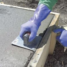 round edge of concrete slab Building a shed this spring? Learn how to pour a concrete slab successfully here. Concrete Pad, Concrete Forms, Concrete Projects, Pouring Concrete Slab, Backyard Projects, Poured Concrete Patio, Concrete Pathway, Concrete Staining, Concrete Resurfacing