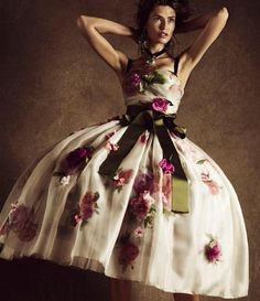 Bianca  #biancabalti #model #topmodel #italia #italian #italiangirl #italianmodel #dolcegabbana #madeinitaly #italianstyle #mfw#milanfashionweek #beauty #princess#dreamdress #fashionmagazine #fashionphotography #g16mo
