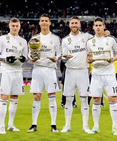 Toni Kroos, Christiano Ronaldo, Sergio Ramos, and James Rodregiz Real Madrid Club, Ronaldo Real Madrid, Real Madrid Players, Real Madrid Football, James Rodriguez, Good Soccer Players, Football Players, Garet Bale, Madrid Football Club