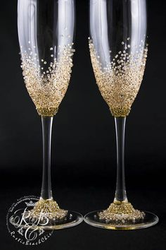 Personalized Wedding Flutes, Wedding Champagne Flutes, Champagne Glasses, Rustic Toasting Glasses, Wedding Wine Glasses, Rose Gold Wedding Original products from RusticBeachChic are the best solution for your big day or as an exclusive gift for a newly-married couple or an