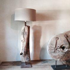 Stoere landelijke staande lamp stronk