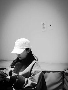 K Pop, South Korean Girls, Korean Girl Groups, Seulgi Instagram, Red Valvet, Aesthetic Grunge Outfit, Korean Girl Photo, Cute Poses For Pictures, Kang Seulgi