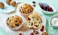 Babeczki zpłatkami czekolady zbakaliami Miss Cupcake, Muffin, Breakfast, Food, Breakfast Cafe, Muffins, Essen, Yemek, Meals