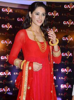 Nargis Fakhri turns desi #Bollywood #Fashion