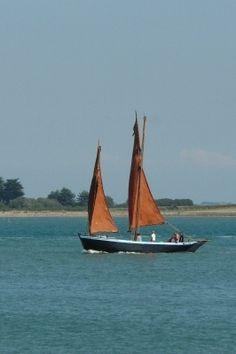 """Dans le Golfe du Morbihan - Sinago """"Les Trois Frères"""". Brittany"""