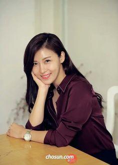 Han Ji Won Cantik & Tersenyuman