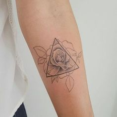 Geometric rose tattoo by modificart_. These tattoos for women will bring out t - Petra Qder - - Geometric rose tattoo by modificart_. These tattoos for women will bring out t - Petra Qder Elegant Tattoos, Feminine Tattoos, Trendy Tattoos, Unique Tattoos, Small Tattoos, Beautiful Tattoos, Earthy Tattoos, Small Skull Tattoo, Mens Tattoos