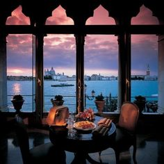 Now you wouldn't want to cover this up with curtains. (Hotel Cipriani, Venice)
