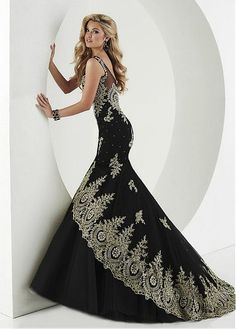 Gorgeous Tulle & Satin Scoop Neckline Mermaid Evening Dresses With Beaded Lace Appliques