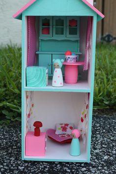 Woodsy Peg People Doll House Cottage - Sooo cute! Waah how do I do it