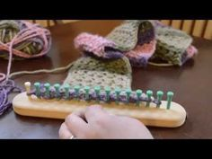 Loom Knit Eyelet Stitch Scarf Part 1 - YouTube
