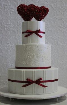 Valentine's Day wedding cake by oreaaurora. Very pretty without being too cutesy. ᘡղbᘠ