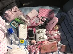 """Dump Out Your Purse"" Fashion! What's In My Purse, Whats In Your Purse, What In My Bag, What's In Your Bag, Purse Necessities, Purse Essentials, Inside My Bag, Malibu Barbie, Bff"