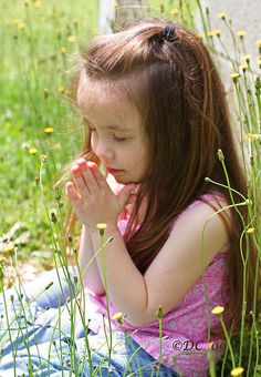 Discovered by Danielle. Find images and videos about cute, kids and pray on We Heart It - the app to get lost in what you love. Precious Children, Beautiful Children, Cute Kids, Cute Babies, Prayer Images, Prayers For Children, Let Us Pray, Train Up A Child, Praying To God
