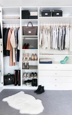 Collection of closet designs to organize your master bedroom, bring comfort and luxury into your home organization. Walk in closet design ideas Modern bedroom design with walk-in closet and sliding doors Custom-built walk-in closets are luxurious Organizing Walk In Closet, Ikea Closet, Wardrobe Organisation, Wardrobe Storage, Closet Bedroom, Bedroom Storage, Master Closet, Diy Bedroom, Master Bedroom