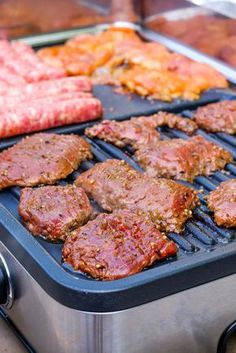 Marinade for poultry and beef- We are in the midst of barbecues, barbecues, barbecues, family, friends and cooks. For 4 people Preparation: 15 minutes Marinade: 6 hours minimum Marinade honey & lemon for poultry: 3 tbsp. Barbecue Sauce Recipes, Grilling Recipes, Meat Recipes, Chicken Recipes, Cooking With Charcoal, Marinade Sauce, Kebab, Smoked Ribs, Barbecue Chicken