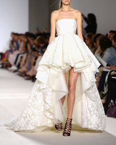 | Giambattista Valli Haute Couture Fall/Winter 2013.