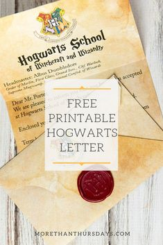 Make your own Hogwarts letter! Tutorial includes a Hogwarts acceptance letter printable and instructions to create a Harry Potter envelope and Hogwarts seal. Baby Harry Potter, Harry Potter Baby Shower, Harry Potter Motto Party, Harry Potter Invitations, Harry Potter Thema, Harry Potter Halloween Party, Harry Potter Classroom, Harry Potter Printables, Theme Harry Potter
