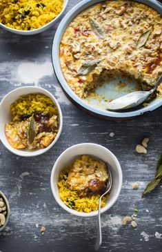 Traditional South African bobotie recipe with fragrant yellow rice Braai Recipes, Oven Chicken Recipes, Dutch Oven Recipes, Dinner Recipes, Cooking Recipes, Dinner Ideas, South African Dishes, South African Recipes, Ethnic Recipes