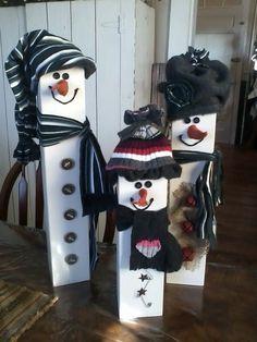 New Winter Wood Crafts Diy Wooden Snowmen Ideas Winter Wood Crafts, Christmas Wood Crafts, Outdoor Christmas, Homemade Christmas, Christmas Snowman, Christmas Projects, Holiday Crafts, Christmas Ornaments, Diy Christmas