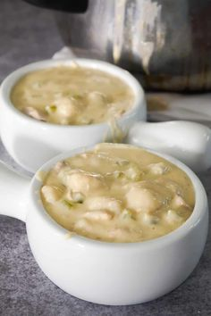 Easy Chicken Gnocchi Soup is a delicious creamy soup recipe perfect for fall. This hearty soup is loaded with shredded chicken and mini potato dumplings. Creamy Turkey Soup, Turkey Rice Soup, Bacon Cheeseburger Soup, Bacon Soup, Creamy Soup Recipes, Chowder Recipes, Hamburgers, Easy Hamburger Soup, Gourmet Recipes