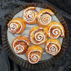 lavkarbomedhanne – Kyllingsuppen som får gjestene til å si mmmmmm. Muffin, Baking, Breakfast, Desserts, Caramel, Morning Coffee, Tailgate Desserts, Deserts, Bakken