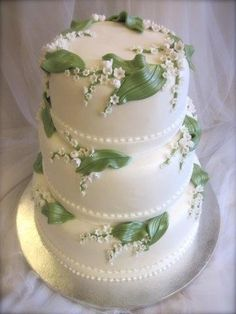Lily of the Valley wedding cake - Lily of the Valley is my favorite flower! My mimi used to pick it for me when I was little. This might be an idea! Beautiful Wedding Cakes, Gorgeous Cakes, Pretty Cakes, Amazing Cakes, Cupcakes, Cupcake Cakes, Bolo Cake, Elegant Cakes, Wedding Cake Designs