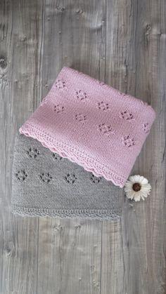 Copertina Fiocco di Neve rosa cipria fatta a mano ai ferri Baby Blanket Crochet, Crochet Baby, Knit Crochet, Knitting For Kids, Baby Knitting Patterns, Knitted Blankets, Baby Dress, Lana, Cross Stitch