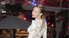 Alessandra Meyer Wolden Im Verruckten Mini Kleid Blumenmadchen Kleid Madchenkleid Promis