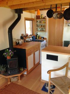 Kenny and Esthers Tiny House - Stove and Kitchen