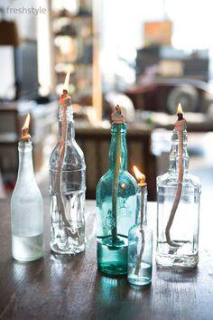 お酒などのおしゃれなビンに入れてもかわいいですね。色つきのものを使うのもいいアイデア♪